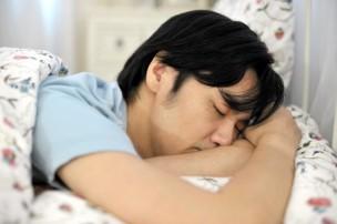 オレキシン受容体拮抗薬、ベルソムラ