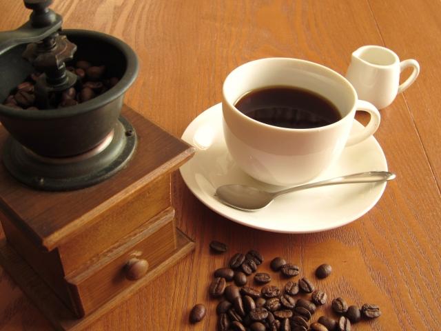 カフェインが精神に与える影響.どうしてカフェインで眠気が取れるのか