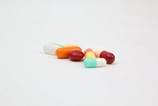うつ病を引き起こす薬物にはどんなものがあるのか。薬剤惹起性うつ病の原因と特徴